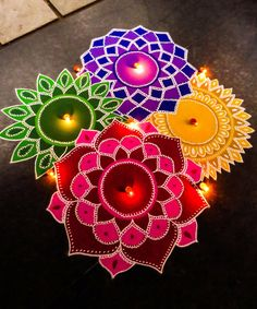 Latest Rangoli Designs for Diwali Browse over Ideas & Images on rangoli design for Diwali festival. Diwali is never complete without rangoli colours. Indian Rangoli Designs, Rangoli Designs Latest, Rangoli Designs Flower, Small Rangoli Design, Colorful Rangoli Designs, Rangoli Ideas, Rangoli Designs Images, Flower Rangoli, Beautiful Rangoli Designs