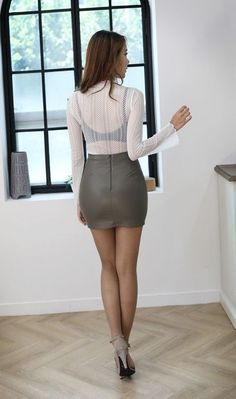 Beautiful Asian Women, Beautiful Legs, Tight Dresses, Sexy Dresses, Tight Skirts, Sexy Rock, Look Girl, Sexy Legs And Heels, Sexy Skirt