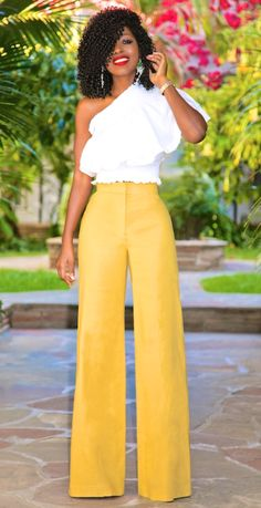 🌼 🌼 Don't miss this week's  #fashionfiend style-story  starring Pantone's trending Spring 2017 color Primrose Yellow!🌼 🌼 ✨ Jane Spring