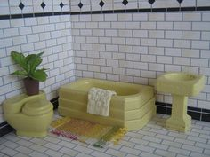Vintage STROMBECKER Wooden Dollhouse Furniture 3 Piece Bathroom Set in Pale Yellow - 1:16 Scale - 1930's
