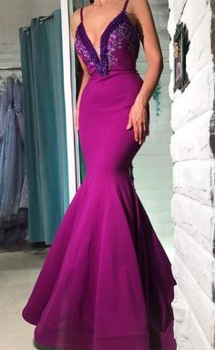 sexy spaghetti strap purple prom dress with appliques, bodycon mermaid v-neck evening dress with appliques