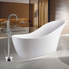 The beautifully designed Vienna 1520 modern slipper freestanding bath will give your bathroom an unbeatable centrepiece. Now at Victorian Plumbing. Bathroom Design Small, Bath Design, Modern Bathroom, Small Bathrooms, Bathroom Ideas, Modern Faucets, Bathtub Ideas, Bathroom Photos, Bathroom Layout