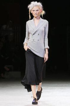 Yohji Yamamoto #PFW #Fashion #RTW #SS14 http://nwf.sh/1bPhh6W