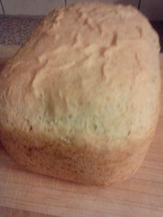 Hieronder vind je meerdere recepten voor speltbrood uit de broodbakmachine, waaronder wit, bruin, volkoren en focaccia speltbrood. Voor elk recept geldt dat de ingrediënten het succes van het resultaat bepalen.