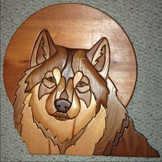 Intarsia wood art is a craft that involves cutting patterns from different types of wood and fitting them together in a way that combines their. Intarsia Woodworking, Woodworking Patterns, Woodworking Plans, Woodworking Projects, Intarsia Wood Patterns, Wood Carving Patterns, Intarsia Holz, 3d Cnc, Wood Dog