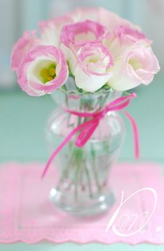 lisianthus via Taylor Taylor Henningsson Pink And White Flowers, Pink Roses, Beautiful Flowers, Pink Blue, Pink White, Aqua, My Flower, Flower Vases, Flower Power