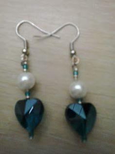 pindepummi: nontuttomaditutto: fai da te  bijoux  arte riciclo  foto  racconti  viaggi pensieri : Orecchini cuore azzurro