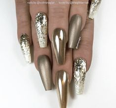 ✨ Light Taupe, Mirror Effect and Glitter Ombre on long Coffin Nails 👌 Taupe Nails, Gold Glitter Nails, Rose Gold Nails, Neutral Nails, Bling Nails, Bling Bling, Coffin Shape Nails, Coffin Nails Long, Pedicure Nail Art