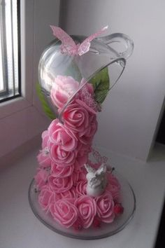 Tutoriales Bricolage, manualidades e ideas Tea Cup Art, Tea Cups, Baby Shower Decorations, Wedding Decorations, Rose Centerpieces, Bridal Shower Centerpieces, Floating Tea Cup, Crafts To Make, Diy Crafts