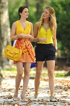 Seriously, Serena's outfit.... Glitter oxfords, Navy and yellow. Sooooooo cute. I want summer.