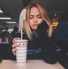 ♡ ◟50ғѕĸ◝ ♡ Cute Tumblr Pics, Tumblr Fall Pictures, Tumblr Picture Ideas, Tumblr Ideas, Photos Tumblr, Instagram Captions For Summer, Summer Instagram Pictures, Instagram Summer, Disney Instagram