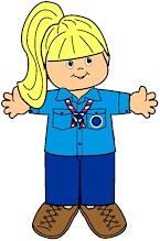 Russian Girl Guide Paper Doll Uniforms from MakingFriends.com #worldthinkingday