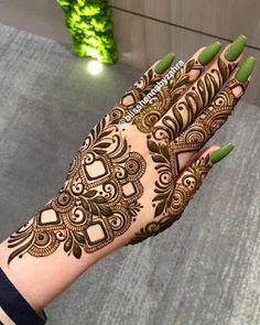 Indian Henna Designs, Modern Henna Designs, Simple Arabic Mehndi Designs, Back Hand Mehndi Designs, Stylish Mehndi Designs, Mehndi Designs For Girls, Wedding Mehndi Designs, Beautiful Mehndi Design, Dulhan Mehndi Designs