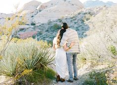 Great style and great location make for some pretty incredible engagement pics! LOVING the red rock backdrop Squaresville Studios chose!