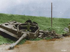 A look at the German heaviest tanks of World War II, the Tiger I, Tiger II King Tiger, and the Maus Panzer VIII. Ww2 Photos, Photos Du, Military Photos, Military History, Patton Tank, Tiger Tank, Ww2 Tanks, World War One, American Soldiers
