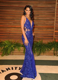 Best Dressed @ 2014 Oscar Party - Vanity Fair | Chanel Iman in a royal blue Zuhair Murad couture gown with beading & cut-out detailing