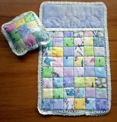 Barbie sized quilt - idea from Amy at nanacompany Diy Barbie Clothes, Barbie Clothes Patterns, Barbie Stuff, Baby Doll Accessories, Diy Accessories, Barbie Knitting Patterns, Barbie Doll Set, Little Girl Gifts, Doll Beds