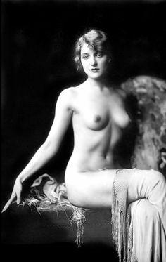 Alfred Cheney Johnston - Ziegfeld Girl