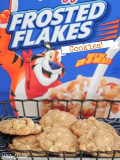 Frosted Flakes White Chocolate Chip Cookies... what's not to like about Frosted Flakes in your cookies???  Yummm!