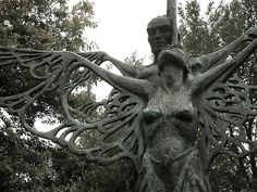 The Irish saga of The Wooing of Étaín was told during the tour in the Ardagh Heritage Centre. The sculpture of Midir&Étaín can be found at the back of the centre in the park that houses many native Irish broadleaved trees. Nature and culture brought together on the wings of a butterfly which sits on Midir's right wing