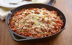 Bring on the cheesy heartiness you adore with an Italian Chicken-Pasta Skillet! This better-for-you Italian Chicken-Pasta Skillet is full of flavor. Bruschetta Toppings, Bruschetta Chicken, Kraft Recipes, Pasta Recipes, Chicken Recipes, Italian Chicken Pasta, Chicken Spaghetti, Chicken Potatoes, Baked Chicken