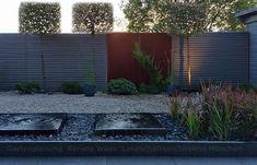 Gartenplanung, Gartendesign und Gartengestaltung: Kleiner Garten mit Wasser