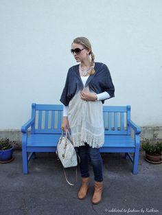 Poncho: Zara Jeans: Seven Tasche: Michael Kors Sonnenbrille: Gucci