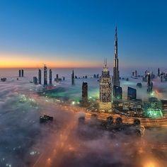 [#TeamNikon] La tête dans les nuages avec @danielcheongdubai #Nikon #NikonFr #photography #awesome #Dubai via Nikon on Instagram - #photographer #photography #photo #instapic #instagram #photofreak #photolover #nikon #canon #leica #hasselblad #polaroid #shutterbug #camera #dslr #visualarts #inspiration #artistic #creative #creativity