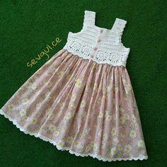 Really nice dress combinate designer and knitter instagram source https://www.instagram.com/sevgul.ce/