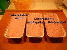 Selbstgemachter Leberkäse - Rezept mit Bild - kochbar.de Bratwurst, Sheet Pan, Carne, Sweet Potato, Kitchen Decor, Potatoes, Salad, Cheese, Homemade