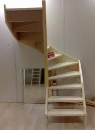 trap - Google zoeken Winder Stairs, Loft Conversion Bedroom, Stair Plan, Loft Staircase, Tiny House Stairs, Attic Spaces, New Homes, Stairways, House Design