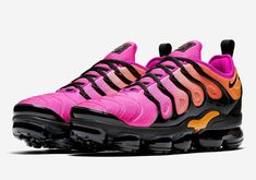 release date 9f693 b99b3 Women s Nike Air Vapormax Plus Sherbert - Black Fuchsia Blast Size 9