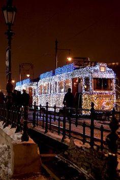 42 beautiful photos of Christmas in Budapest, Hungary – Christmas Photos Christmas In The City, Christmas Photos, Beautiful Christmas, Winter Christmas, Christmas Lights, Christmas Holidays, Xmas, Christmas Windows, Christmas Train