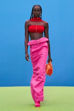 """Spread Love and Kindness 🙏 on Twitter: """"Adut Akech & Kendall Jenner walking the Jacquemus Fall 2021 Runway… """" Fashion Week, Runway Fashion, High Fashion, Fashion Beauty, Fast Fashion, Jeanne Damas, Victor Vasarely, Bella Hadid, Kendall Jenner"""