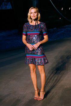 De cómo el 'look' de Margot Robbie en Chanel inspirará tus eventos de verano- HarpersBAZAARES