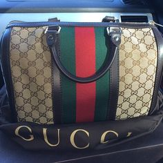 Gucci Handbags Collection Discount Save From Here! Press Picture Link Get It Immediately! Not Long Time For Cheapest! Gucci Handbags Outlet, Gucci Purses, Gucci Bags, Louis Vuitton Handbags, Purses And Handbags, Gucci Outlet, Gucci Fashion, Fashion Bags, Fashion Shoes