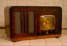 Old Antique Wood Emerson Ingraham Vintage Tube Radio -Restored Working Table Top #Emerson