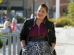 Wide belts can be your best styling friend. | 14 Amazing Styling Tips For Curvy Girls