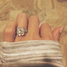 Love this. Princess cut and thin bands are so pretty