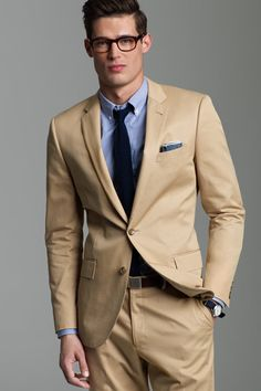 Italian Chino Solid Ludlow Suit - Jacket - Suiting Fall/Holiday 2011 - J.Crew Collections - The SMP Look Book Khaki Suits, Beige Suits, Brown Suits, Black Suits, Black Suit Black Shirt, Black Blazers, Mens Fashion Suits, Mens Suits, Tan Suit Men