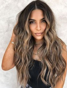 Blonde Hair With Highlights, Brown Blonde Hair, Hair Color Balayage, Subtle Highlights, Warm Blonde, Blonde For Brunettes, Brown Hair With Blonde Balayage, Balyage Brunette, Light Brunette Hair