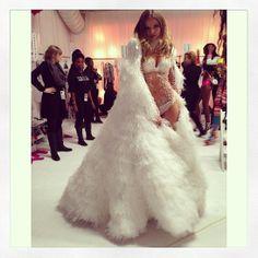 Magdalena Frackowiak: http://www.vogue.fr/mode/mannequins/diaporama/la-semaine-des-tops-sur-instagram-7/16243/image/880869#!magdalena-frackowiak