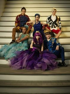 Find images and videos about dove cameron, descendants and cameron boyce on We Heart It - the app to get lost in what you love. The Descendants, Descendants Characters, Dove Cameron Descendants, Disney Villains, Disney Movies, Disney Stuff, Mal And Evie, Ben And Mal, Disney Channel Stars