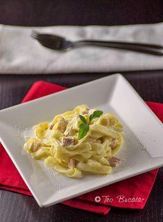 Paste carbonara - o reteta italiana clasica, simpla si usoara, un preparat invaluit intr-un sos cremos si aromat...