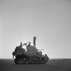 M3中戦車の契約は1940年8月にほぼ確定した様子。まだ設計中なので実車の入手には「11ヵ月かかる」との話。それでは緊急調達に間に合わない。そこで購入契約が結ばれたのがM3軽戦車。こっちの方がM2中戦車よりよほど実用的だった。