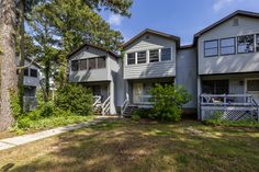 Looking for the perfect Home Base for your next Chincoteague Island Adventure? Look no further than fabulous Eastwinds 18, located in the very heart of Chincoteague Island. Chincoteague Island Rentals, Beautiful Islands, Townhouse, Seaside, 18th, Base, Adventure, Vacation, Heart