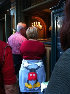 There are multiple reasons why people don't wear their sweatshirts around their waist anymore...