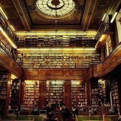La biblioteca del Colegio Nacional Buenos Aires, Argentina