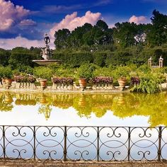 Love this colourful view of the #Boboli gardens in #Florence by @feltrin68
