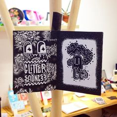 Petit zine au Pop Up Store 5 chez @en_couture_simone #zine #zines #fanzine #fanzines #zineart #glitter #glittery #sadness #sad #ghost #flower #rose #fleur #black #ink #dark #cold #winter #illustration #character #characterdesign #arthurplateau #edition #event #tipi #toulouse #local #christmas #noel #fete